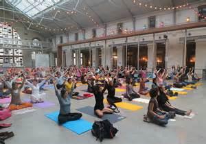 Pour débuter: Festival de Yoga au 104 à Paris