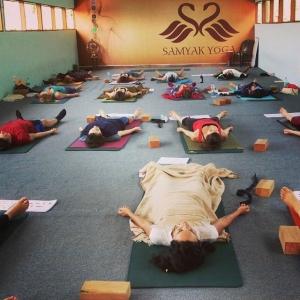 tenue de yoga savasana