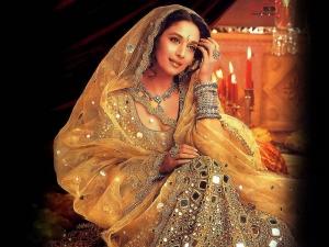 Femme Indienne vêtue de façon traditionnelle