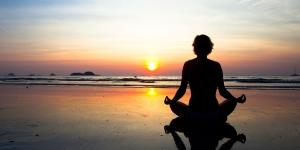 meditation-yoga-plage