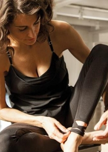 portrait-elena-brower-interview-yogapassion