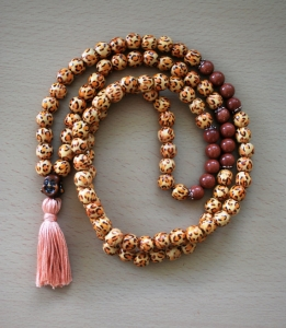 mala-collier-prieres-bouddhisme