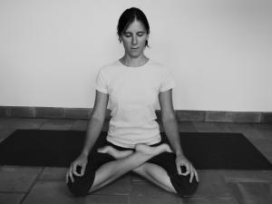 eve-anne-durieux-posture-lotus-yoga