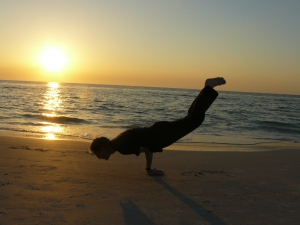 alain-janvier-posture-paon-yoga