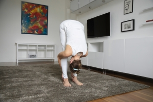 pince debout-uttanasana-hommes-yoga