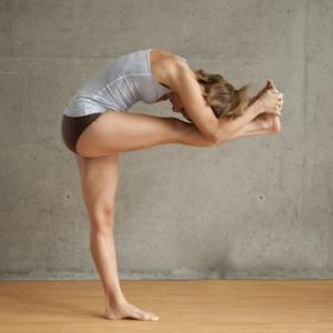 janu-sirsasana-debou-yoga