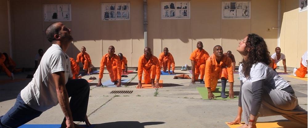 yoga-en-prison-detenus
