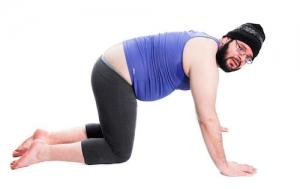 homme en tenue de Yoga