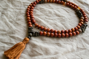 mala-collier-tenue-yoga