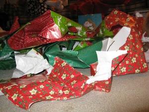 papier cadeau traditionnel déchiré