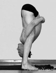 tittibhasana-b-yoga