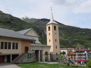 eglise-bourg-saint-maurice-yoga