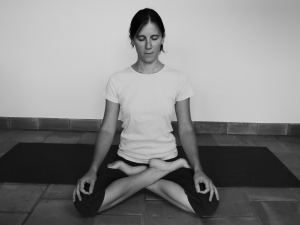 eve-anne-durieux-posture-lotus-yoga