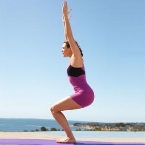 posture-chaise-fan-de-yoga