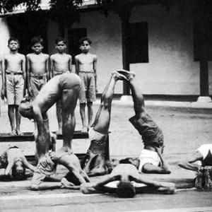 Krischnamacharya-mysore-yoga-demo