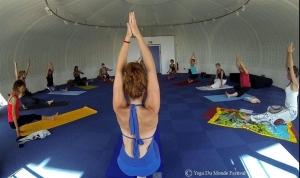yoga-du-monde-sables-olonne-festival