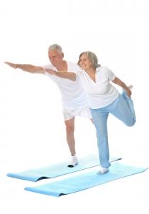 yoga seniors  bienfaits et postures clefs