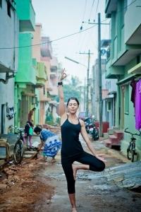 yoga-posture-arbre