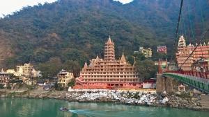 rishikesh-ashrams-yael-bloch