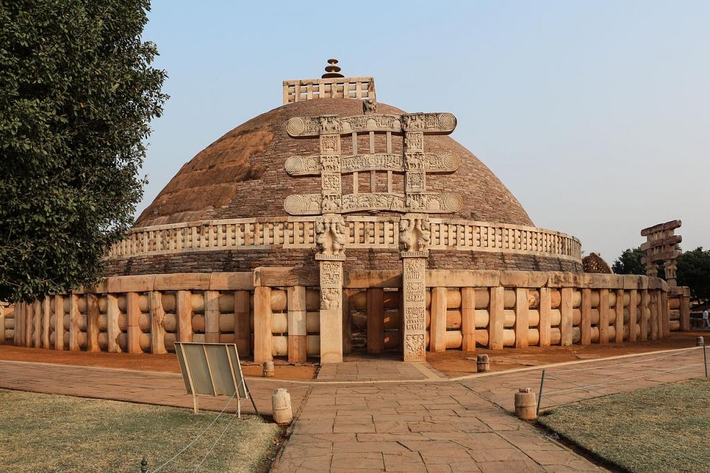grand-stupa-sanchi-wikipedia