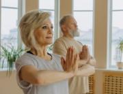 yoga pour personnes âgées